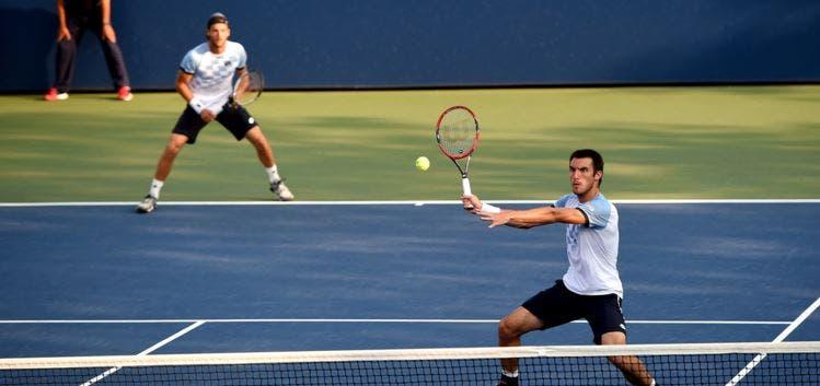 João Sousa vai jogar pares com Leonardo Mayer no Open da Austrália