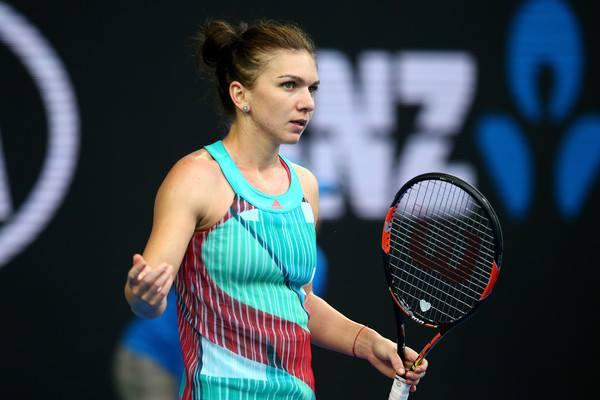 Simona Halep adia cirurgia ao nariz e joga Fed Cup