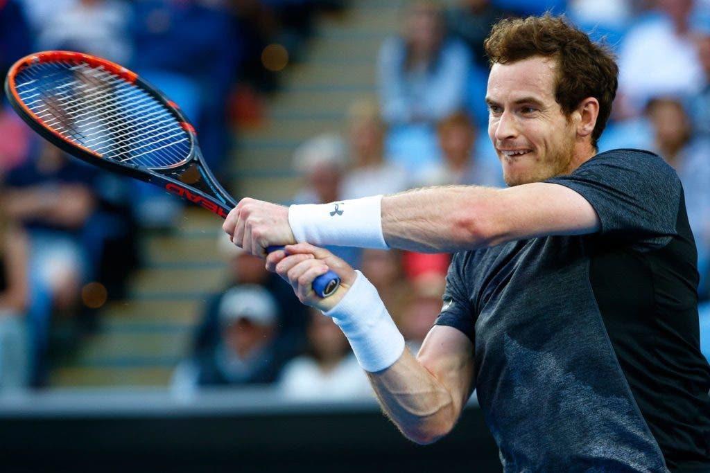 Murray pondera deixar a HEAD por causa de Sharapova