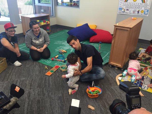 Djokovic doa 18 mil euros e ajuda crianças carenciadas em Melbourne