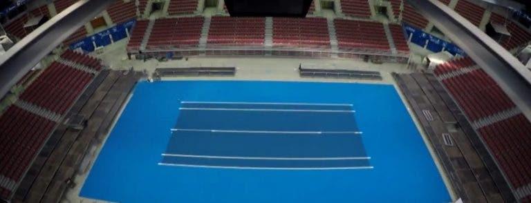 [Vídeo] Como transformar um multiusos num estádio de ténis… em 15 segundos
