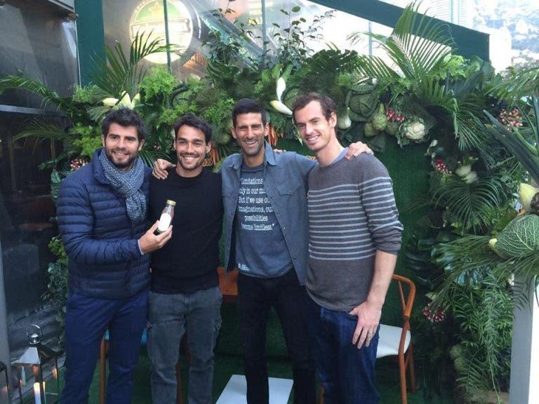 Casal Djokovic inaugura restaurante e jogadores comparecem em peso