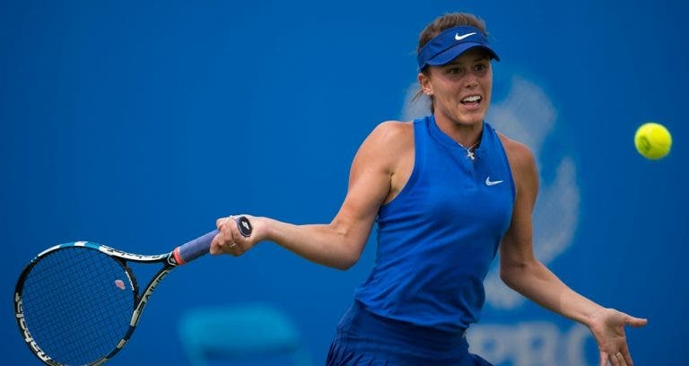Michelle Larcher de Brito travada na segunda ronda do ITF de Naples