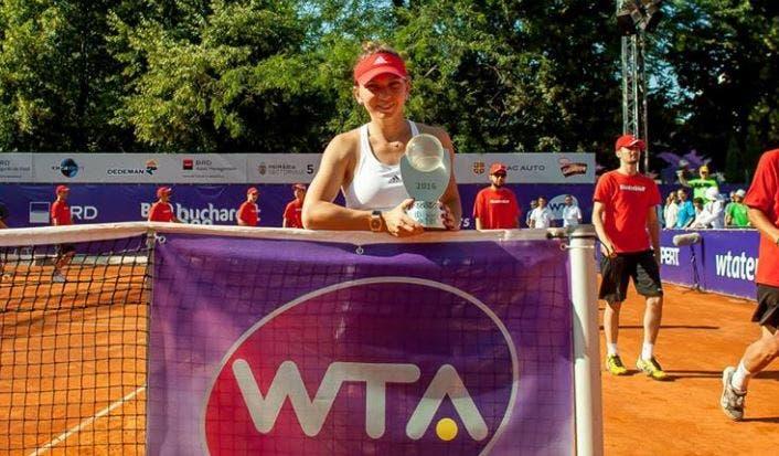 Simona Halep aplica 'bicicleta' e vence torneio do seu país pela segunda vez