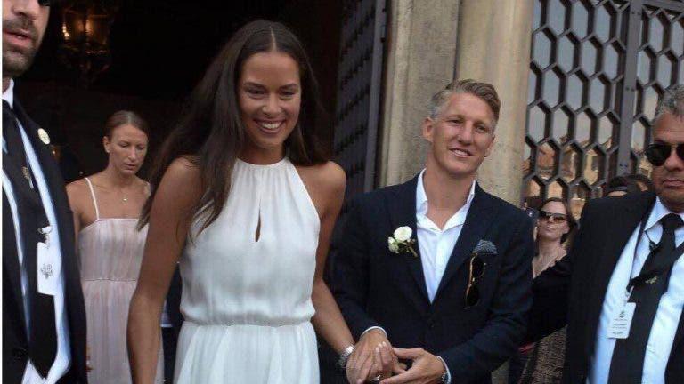 Ana Ivanovic e Bastian Schweinsteiger já são pais de um menino