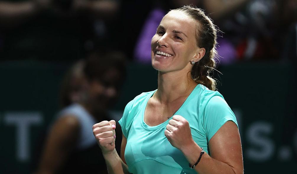 WTA Finals. Pliskova e Kuznetsova vencem após salvarem match points