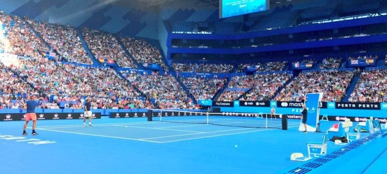 Oito mil pessoas assistiram ao treino de Roger Federer