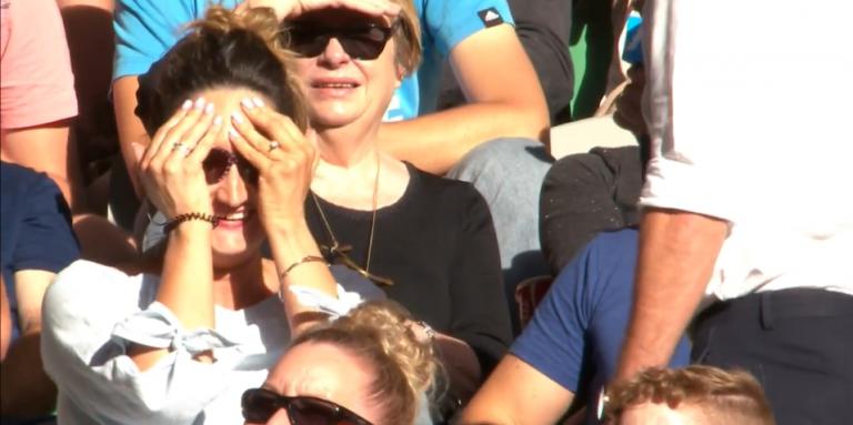 [VÍDEO] Quando vais ver um encontro de ténis… e acabas noiva