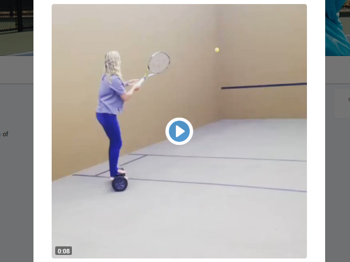[VÍDEO] Não tente isto em casa: Coco Vandeweghe joga ténis em cima de hoverboard