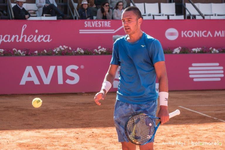 Oliveira desperdiça três match points e falha presença na 2.ª ronda em Vicenza