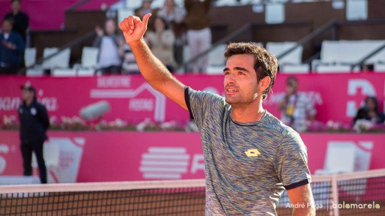 Frederico Silva vence batalha e entra a ganhar em Praga