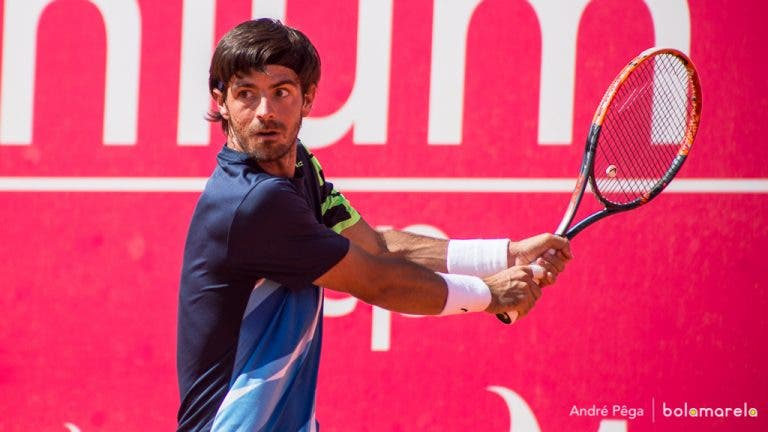 Gastão Elias salva match point e avança aos quartos-de-final do Braga Open