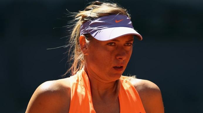[VÍDEO] Sharapova foi questionada sobre Bouchard e respondeu… ao seu estilo!
