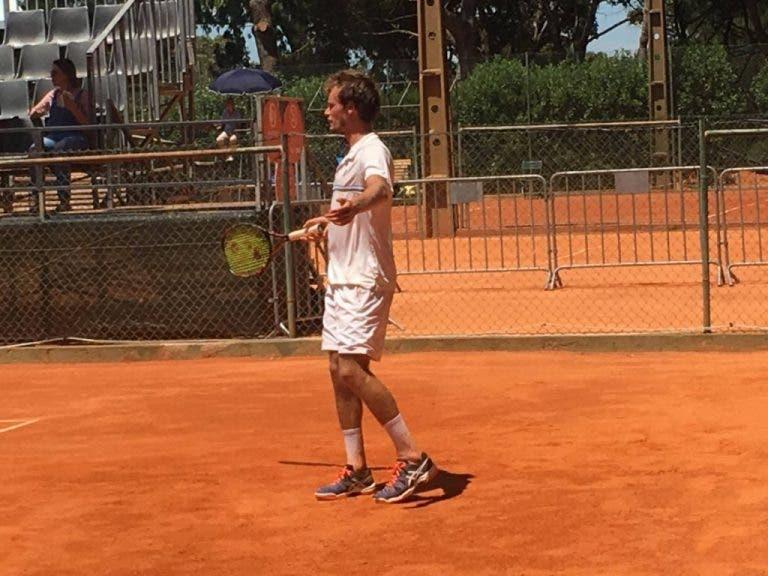Tiago Cação fica pelo caminho na segunda ronda da qualificação do Lisboa Belém Open