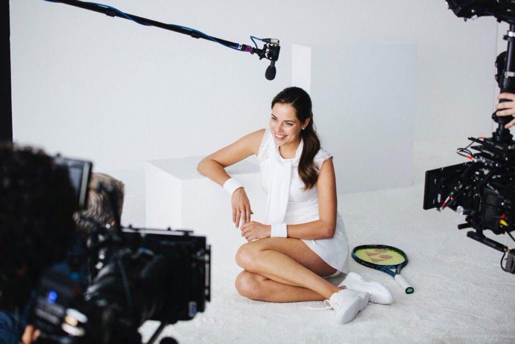 25ff00a37 Foram este sábado reveladas as primeiras imagens de uma nova campanha de  Ivanovic para a marca italiana de roupa interior Intimissimi, captada pela  lente do ...