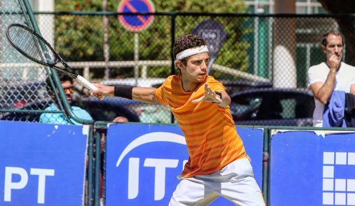 Luís Faria arrasa rumo à segunda ronda na Beloura