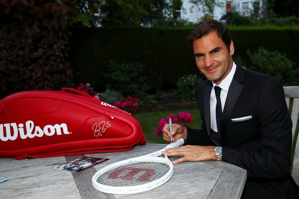 Federer vende edição (muito) limitada de raqueta… por 18 mil euros