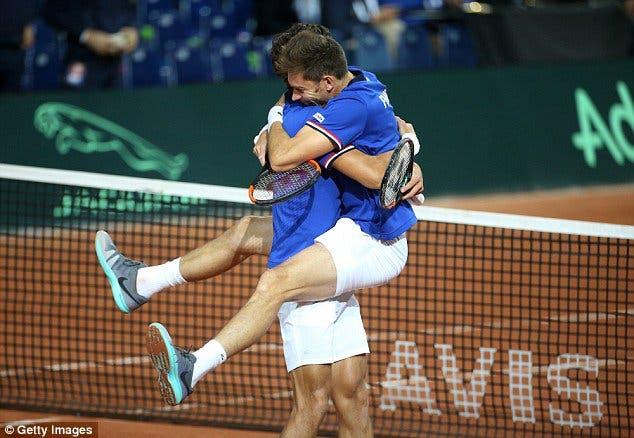 Meias-finais da Taça Davis. Austrália e França partem em vantagem para domingo