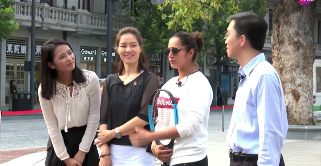 [VÍDEO] Li Na faz um tour pela cidade de Wuhan com Sania Mirza