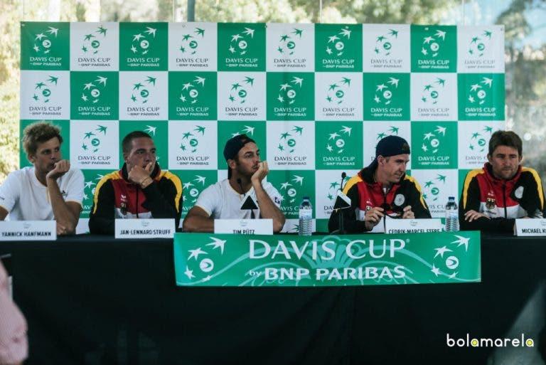 Equipa alemã reunida em conferência de imprensa depois da vitória