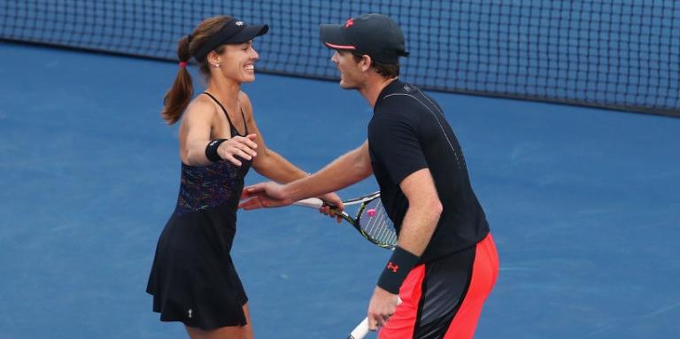 Martina Hingis e Jamie Murray continuam sem perder juntos e conquistam o US Open