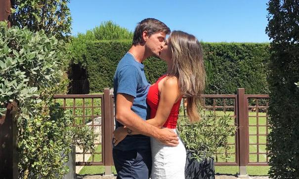 Gastão descuida-se e revela casamento secreto. «Vou ter de apressar os preparativos da festa», diz Isabela Miró