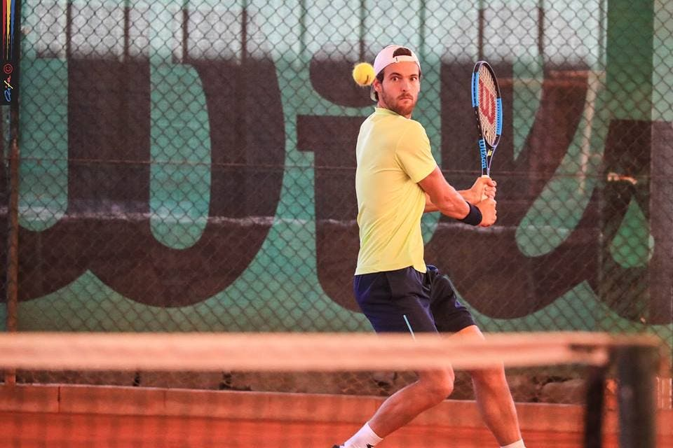 João Sousa bate Fred Gil e segue à final do Campeonato Nacional Absoluto