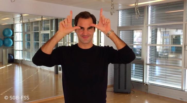 [VÍDEO] Federer participa em campanha de Associação de surdos-mudos