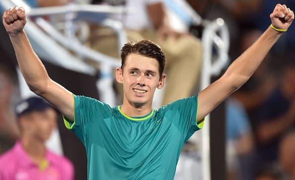 De Minaur brilha rumo à 1.ª final ATP e coloca-se a uma vitória do segundo título profissional. O outro foi em Portugal
