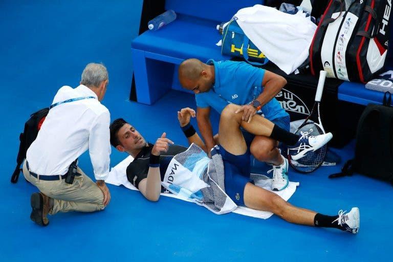 Novak Djokovic recebe tratamento médico mas derrota Albert Ramos em Melbourne