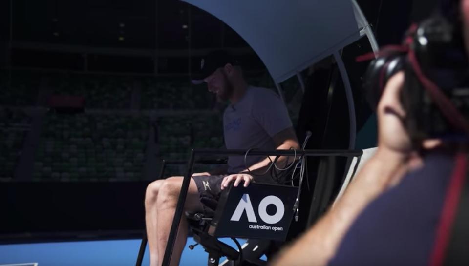 [VÍDEO] Já viu as novas cadeiras do Open da Austrália para os árbitros? Não têm escadas!