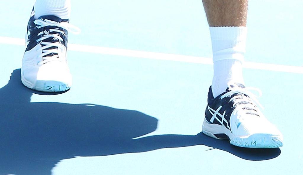 Adeus adidas, olá Asics: Djokovic troca de calçado à entrada da nova época