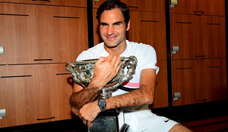 Roger Federer é o primeiro jogador na história a chegar ao topo do ranking em NOVE temporadas
