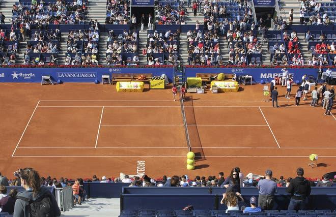Tribunal multa ATP 500 de Barcelona por causa da roupa reduzida das 'meninas da Schweppes'