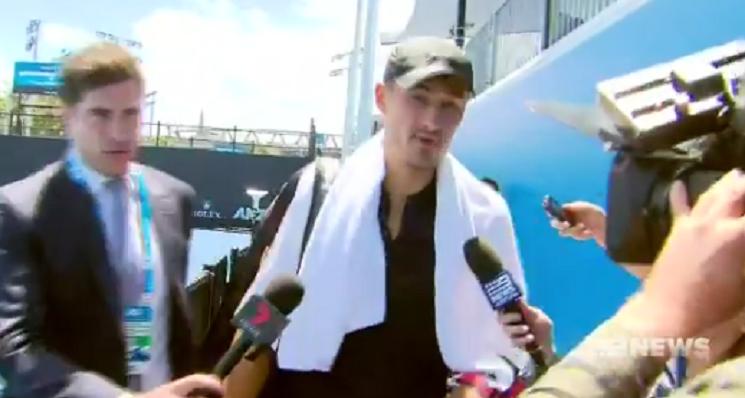 [VÍDEO] Tomic após perder na Austrália: «Agora vou contar os meus milhões. É só isso que eu faço»