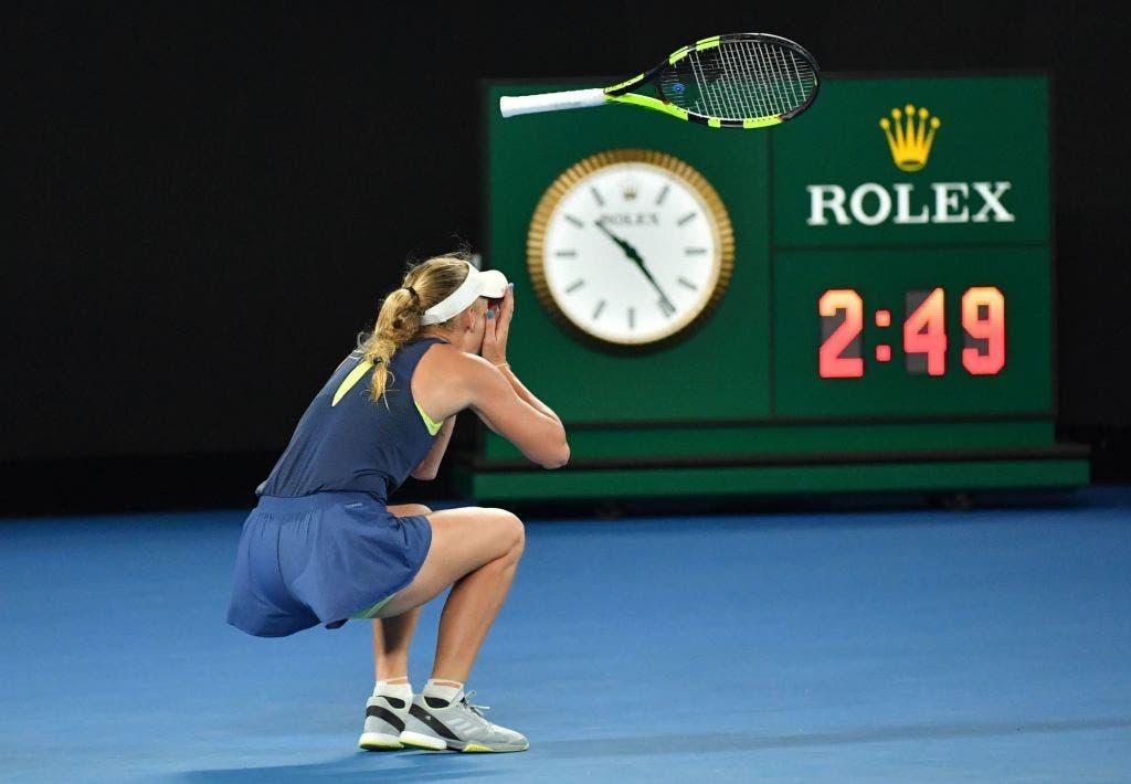Wozniacki amealha triunfo tranquilo e encontra Georges na final de Auckland