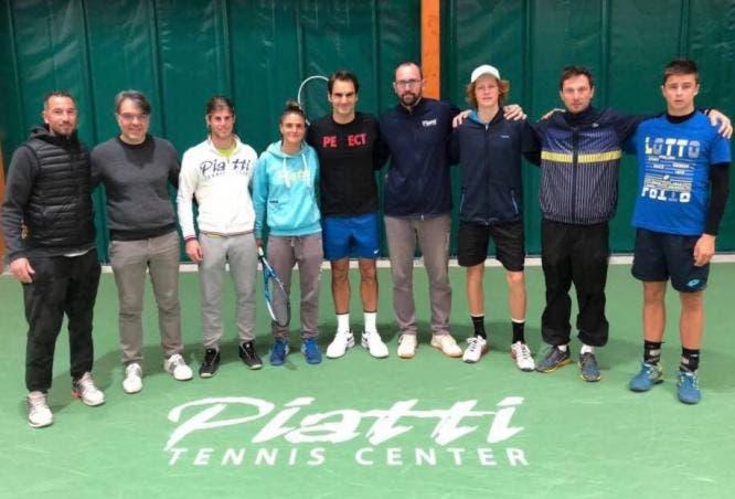Federer voltou aos treinos numa famosa academia