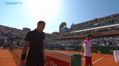 [VÍDEO] Djokovic recusou-se a cumprimentar Carlos Bernardes após derrota contra Thiem