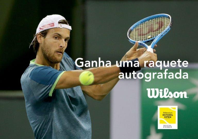 Wilson oferece raquete assinada por João Sousa