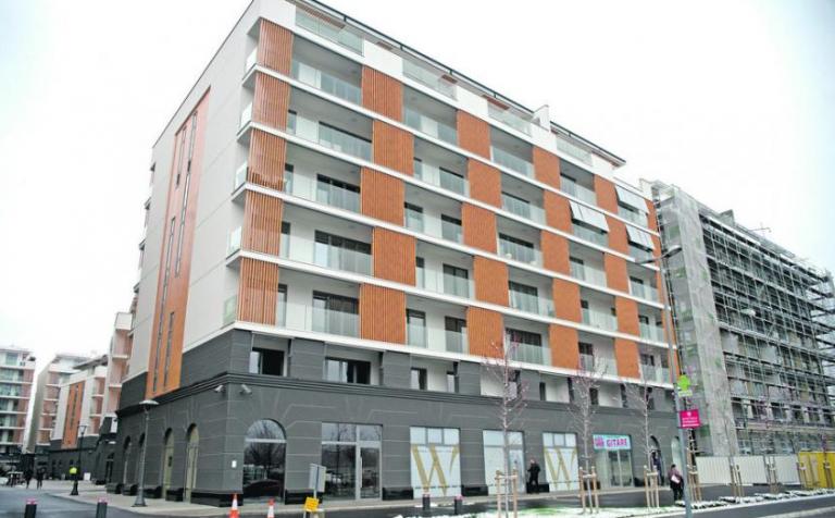 Djokovic compra 'penthouse' de luxo em Belgrado e oferece a casa antiga… a Krajinovic