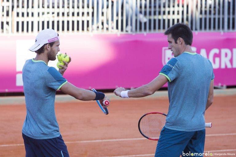 João Sousa avança para a segunda ronda de pares em Roland Garros