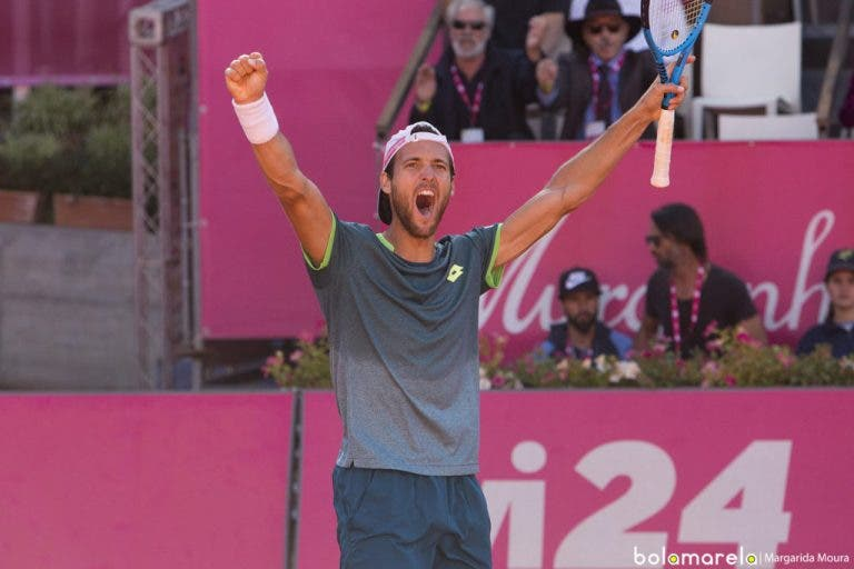 Só há seis jogadores no top 60 ATP de singulares e pares: João Sousa é um deles