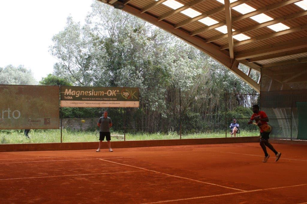 João Sousa condecorado em Guimarães e Tiafoe a treinar… em Carcavelos