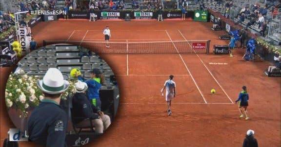 [VÍDEO] Encontro em Roma interrompido… por bola gigante