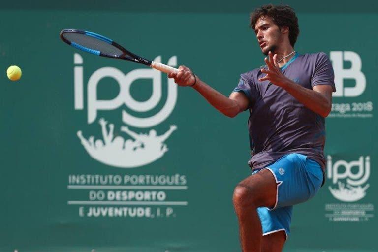 Francisco Cabral perde para ex-top 100 ATP na primeira eliminatória em Braga