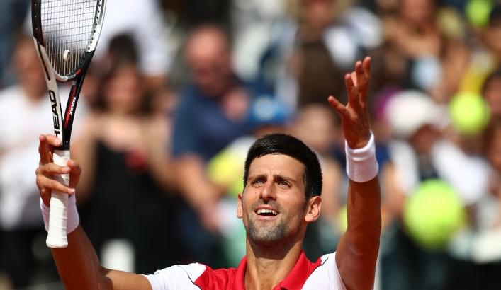 Novak Djokovic regressa a uns quartos-de-final 10 meses e meio depois