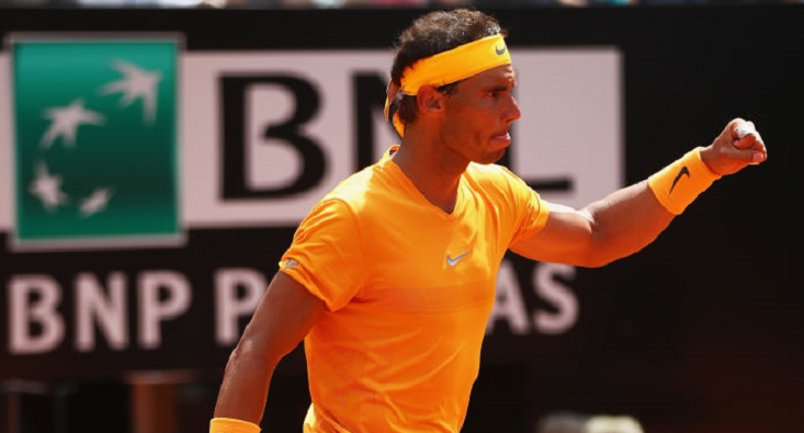 Rafael Nadal sobrevive a Novak Djokovic rumo à sua 10.ª final