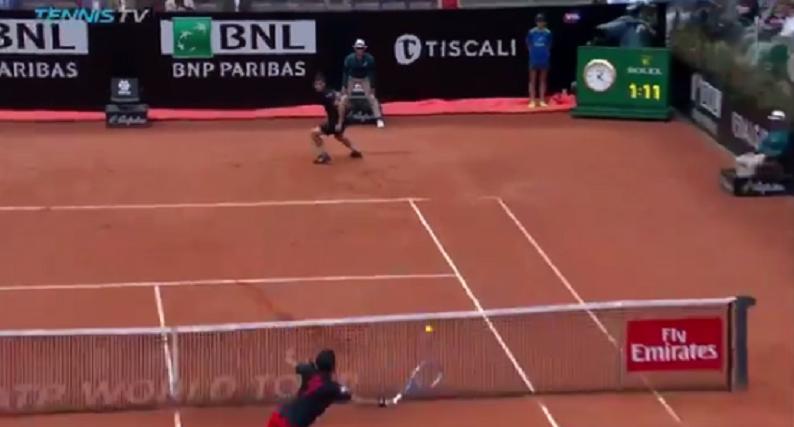 [VÍDEO] Tweener + volley: duelo de Thiem e Fognini teve de tudo