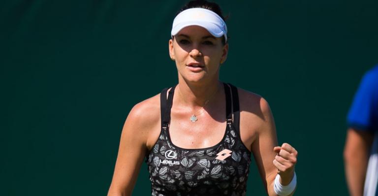 Radwanska regressa ao circuito com vitória convincente