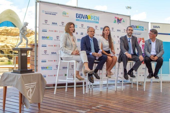 Valência vai receber o primeiro torneio da história com… arbitragem exclusivamente feminina